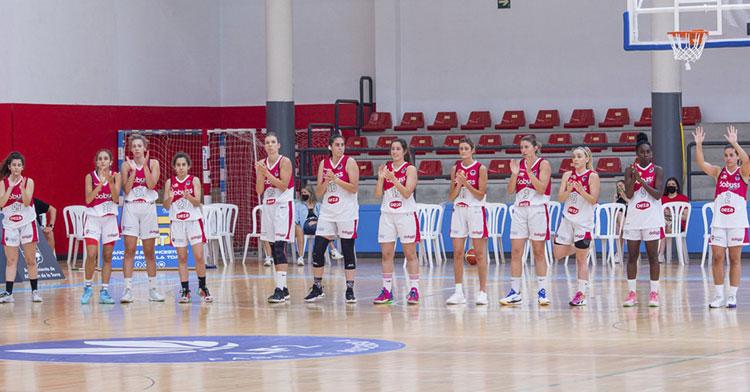 Las jugadoras del Dobuss antes del arranque del partido frente al Fundación Asnimo. Foto: FAB
