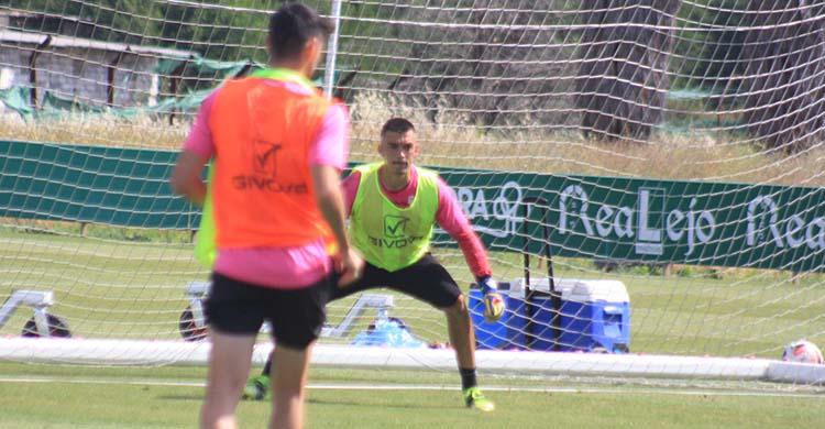 Edu Frías en uno de los últimos entrenamientos en la Ciudad Deportiva.