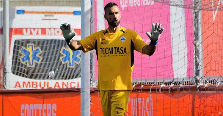 Para la portería. Felipe Ramos pidiendo calma en un partido con el Sanse.