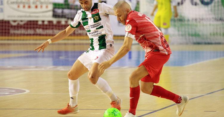 Miguelín junto a Pablo del Moral en el encuentro entre Córdoba Patrimonio y ElPozo de hace unas semanas. Foto: Córdoba Futsal