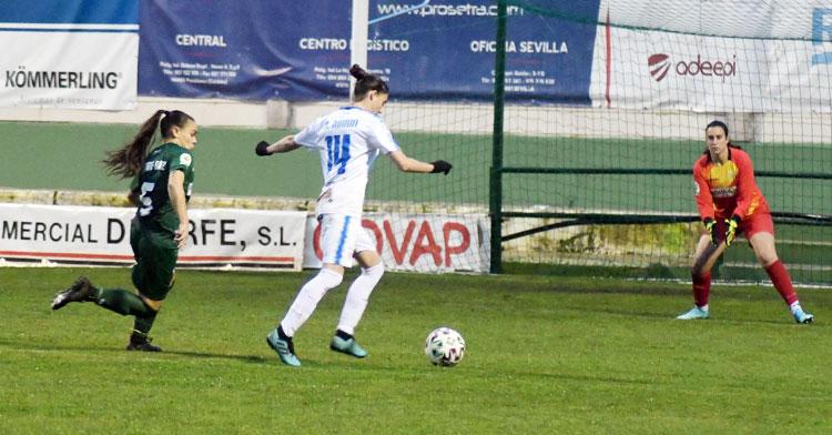 Una imagen del duelo entre el Pozoalbense y el Córdoba Femenino en Pozoblanco la temporada pasada. Foto: CD Pozoalbense