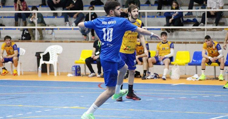 Raúl Morales en un lanzamiento de siete metros con el ARS. Foto: CBM
