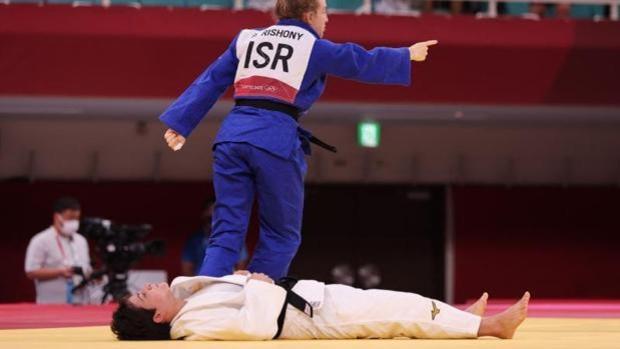Hundida. Así se quedó Julia Figueroa tras caer ante la israelí Rishony en los Juegos Olímpicos de Tokio.