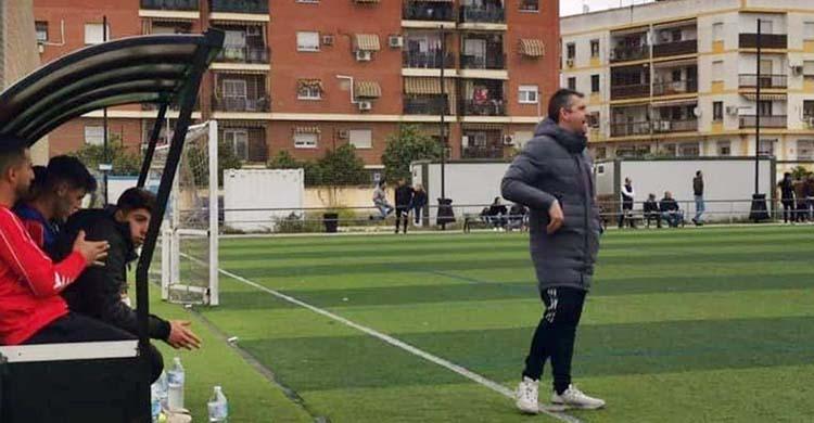 Alberto Fernández en un partido con el juvenil del Pozoblanco.