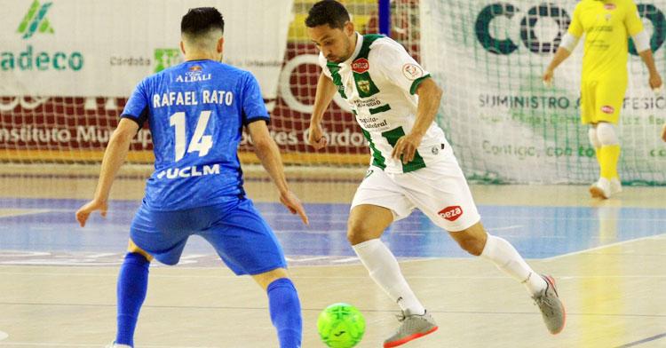 Caio César en el encuentro ante el Valdepeñas. Foto: Córdoba Futsal