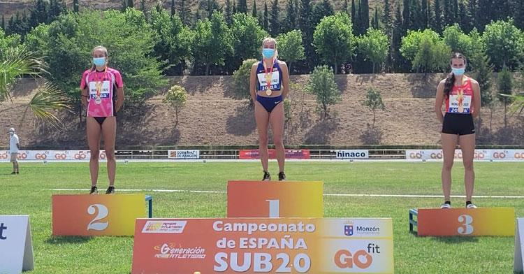 Carmen Avilés en el podio en tierras oscenses. Foto: RFEA