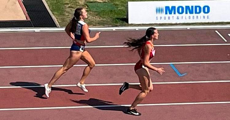 Carmen Avilés casi en la llegada a meta en una de sus carreras de este jueves en Estonia. Foto: RFEA