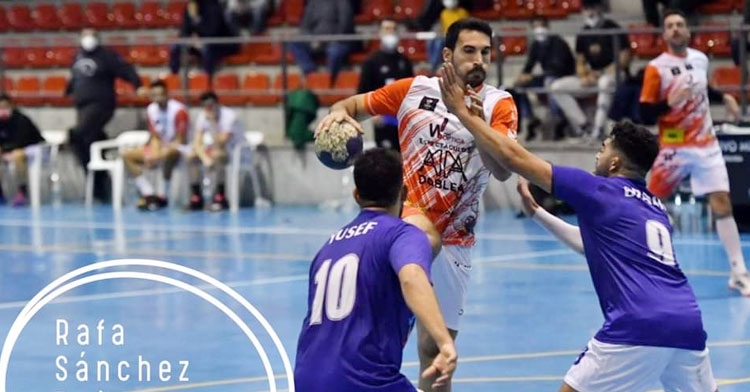 Julián Moldón en un partido en el Juan Sepúlveda. Foto: Rafa Sánchez / www.fotoslopedroches.com