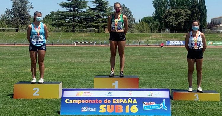 El podio sub16 de lanzamiento de martillo, con Miriam Ramírez (Virgen del Castillo) en el tercer puesto. Foto: RFEA