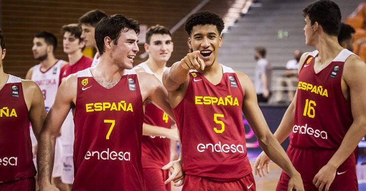 Pablo Tamba haciendo un gesto a la cámara. Foto: FIBA.com