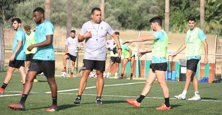 Djak Traoré saldrá del Córdoba CF cuando encuentre equipo, por lo que Germán Crespo ya sabe que no estará cuando arranque la competición.
