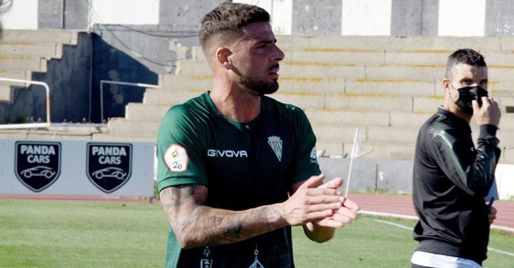 Xavi Molina en el partido contra el Linense en feudo balono. Foto: CCF