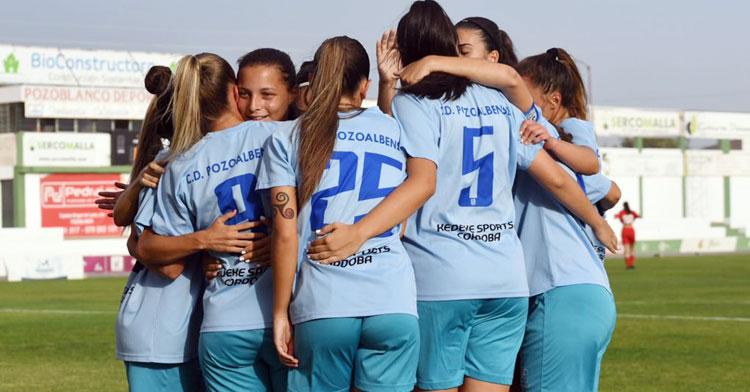 Las jugadoras de Montenegro celebrando uno de sus tantos. Foto: CD Pozoalbense