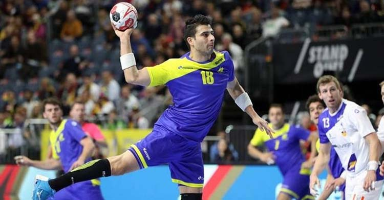 El extremo izquierdo internacional brasileño Felipe Borges en acción.