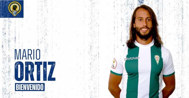 Mario Ortiz presentado por el Hércules aún con la elástica blanquiverde.