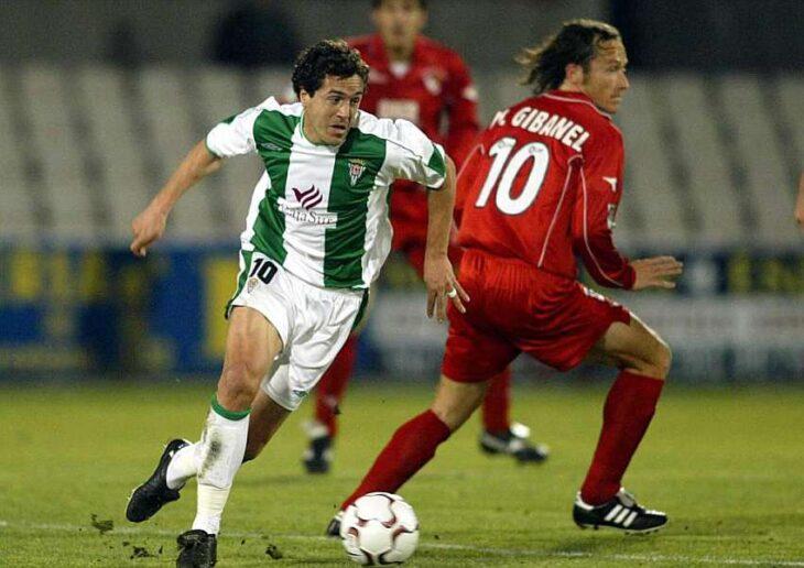Pablo Villa jugando con el Córdoba en El Arcángel ante el Sevilla Atlético.