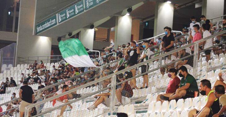 Los ultras, presentes en El Arcángel