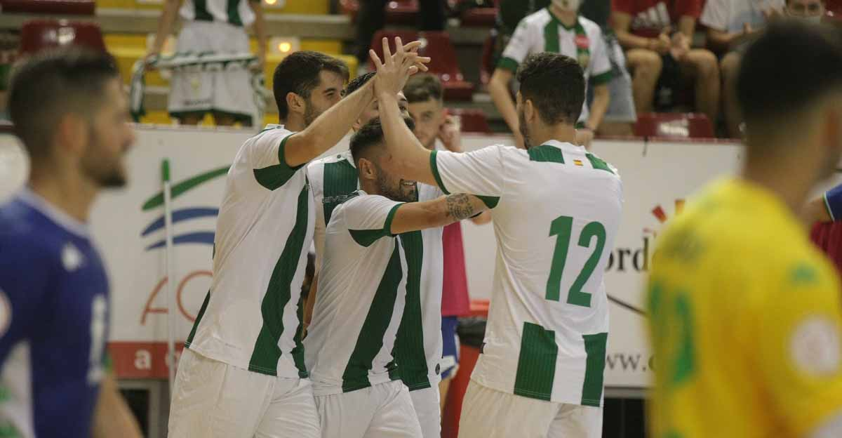 Los jugadores del Córdoba Patrimonio de la Humanidad celebrando un gol con Ismael. Foto: Córdoba Futsal