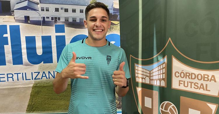 Álex Viana quiere dar muchas alegrías en Córdoba. Foto: Córdoba Futsal