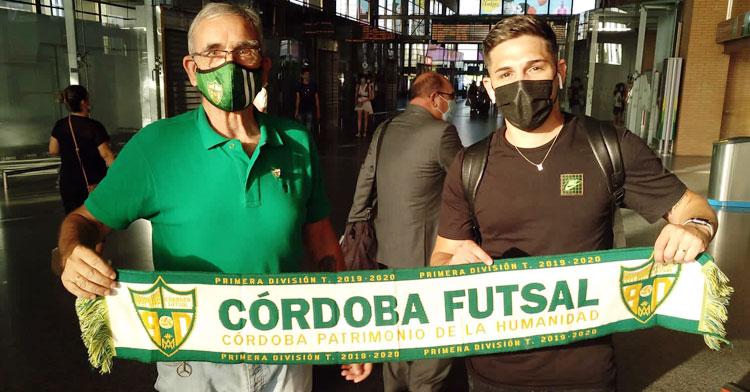 Álex Viana a su recibimiento en la estación de Córdoba