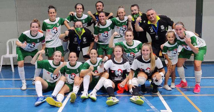 Las chicas del Deportivo Córdoba Cajasur festejando su clasificación