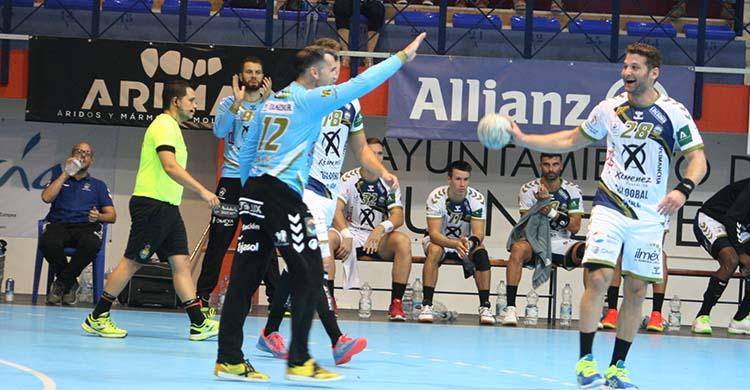 Álvaro de Hita celebrando una de sus múltiples paradas con Felipe Borges.