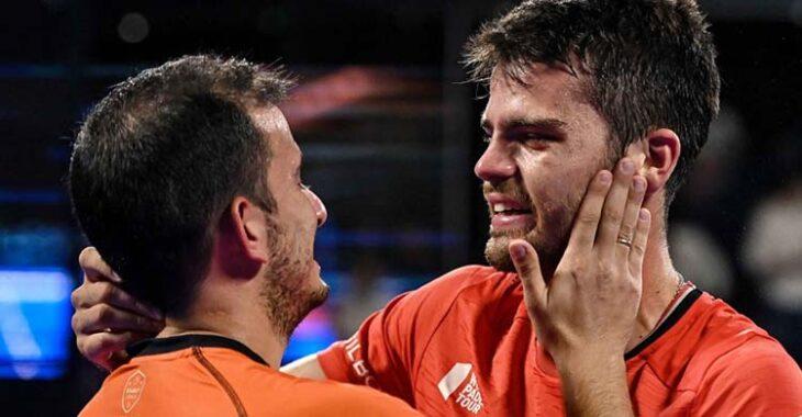 Emoción. La felicidad de Javi Garrido y Juan Belluati tras alcanzar en Barcelona sus primeras semifinales del World Pádel Tour.