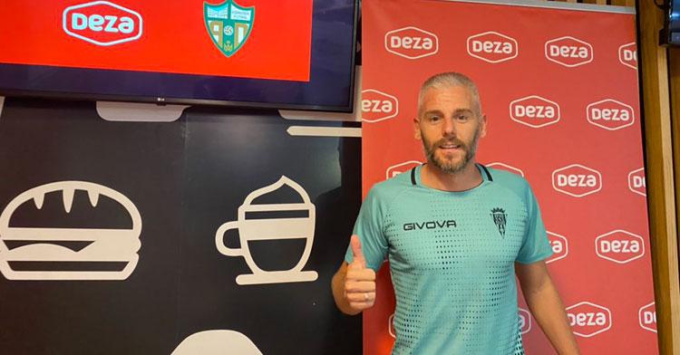 Miguelín en su puesta de largo oficial. Foto: Córdoba Futsal