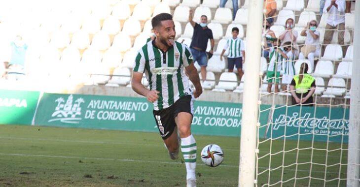 Omar celebrando su primer gol con el Córdoba CF.