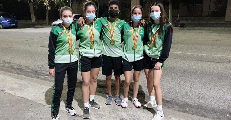 Los cinco cordobeses que colaboraron al doble triunfo andaluz. Foto: Club Trotacalles