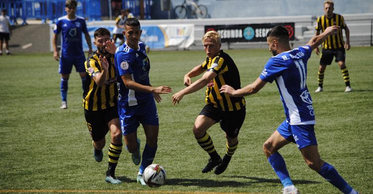 El San Fernando en su partido contra el San Roque de Lepe. Foto: UD San Fernando