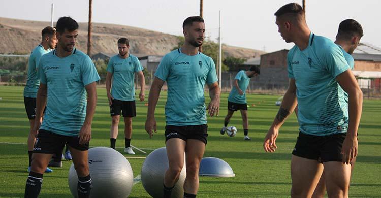 Omar Perdomo, Willy y Adrián Fuentes ejercitándose en la Ciudad Deportiva.