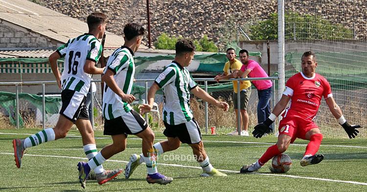 El Córdoba B quiere más victorias pese a la dureza de su salida a Gerena. Foto: CCF