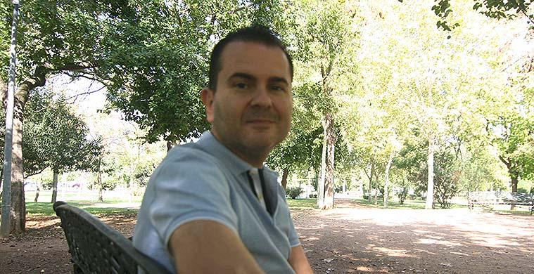 Rafa Sanz durante la entrevista con Cordobadeporte en un parque de Córdoba que recrea el otrora vergel de la Palma.